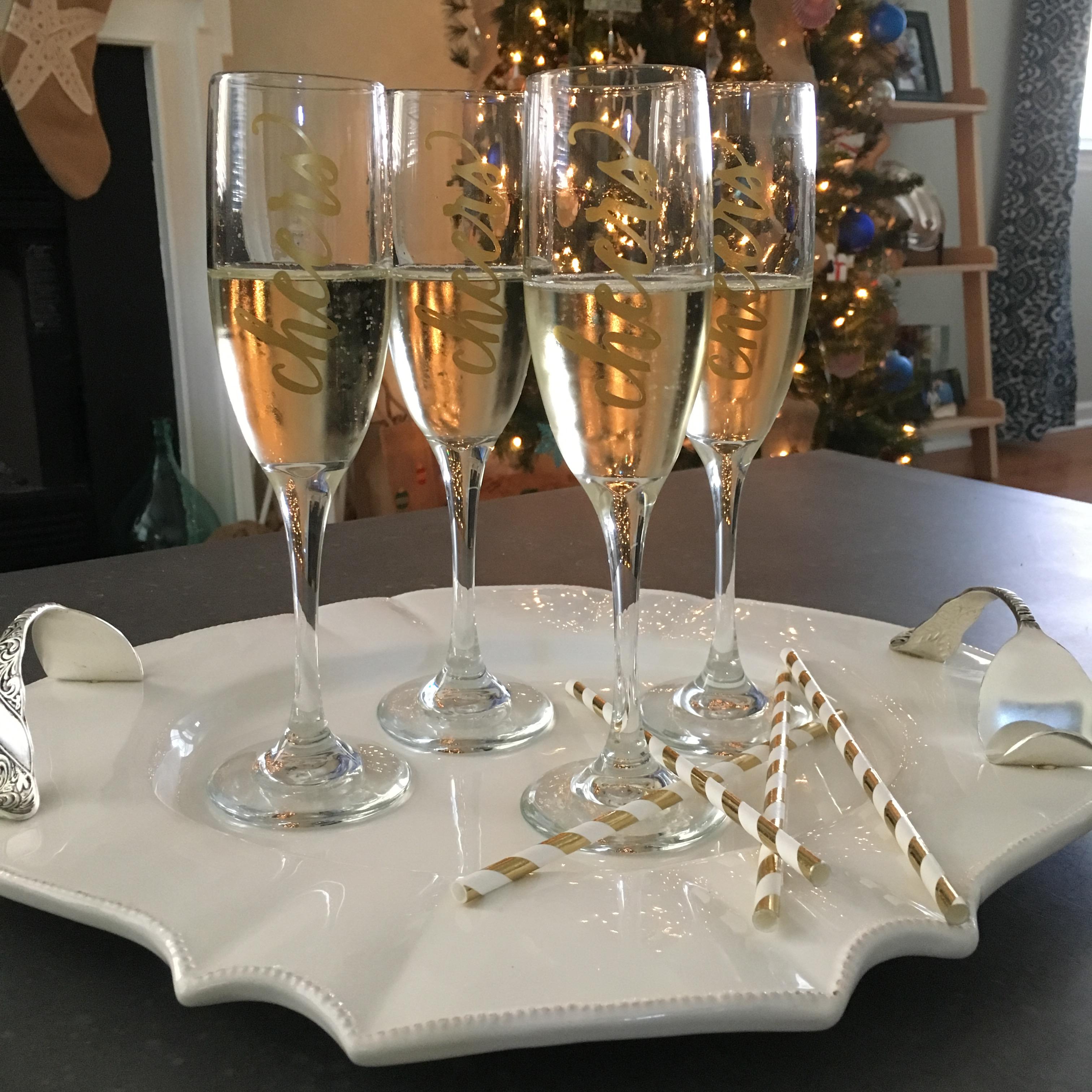 Diy Cheers Glasses For Nye With Cricut Coastal Kelder